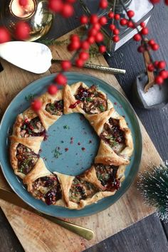 Hartige kerstkrans met honing-geitenkaas en walnoten - Beaufood