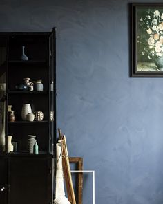 blue and gold color scheme ,color palette inspired by old door Blue Rooms, Blue Walls, Wall Colors, House Colors, Colours, Interior Styling, Interior Design, Inside Home, Home