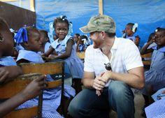 "Linkin Park's Dave ""Phoenix"" Farell visits Haiti with MFR."