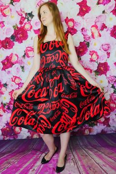 Ponadczasowa rozkloszowana sukienka na ramiączkach w stylu pin-up Coca-Cola | Dariza www.dariza.pl Sklep Dariza Stworzona By inspirować