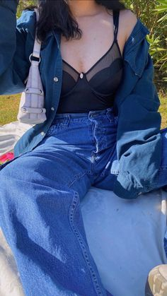 Style inspo for picnic #vintage #style #styleblogger #styleinspiration #outfits #ootd #outfitideas #fashion #fashionstyle #aesthetic Cool, Vintage Style, Mom Jeans, Picnic, Overalls, Style Inspiration, Photo And Video, Fitness, Outfits