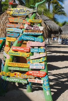 Gilligan's Beach Bar – Aruba. Been to aruba but did not see this : ( Must go b… Vacation Destinations, Dream Vacations, Vacation Spots, Beach Vacations, Willemstad, Oh The Places You'll Go, Places To Travel, Thinking Day, Beach Signs