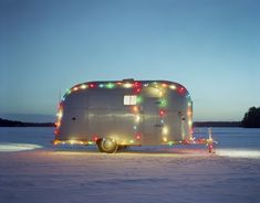 Airstream in the Snow by William Lemke - Large (Color Photograph) Vintage Trailers For Sale, Vintage Campers Trailers, Airstream Trailers, Airstream Interior, Trailer Interior, Airstream Renovation, Decorating Your Rv, Vintage Models, Deck The Halls