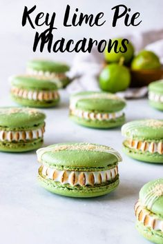 Key Lime Pie macarons filled with key lime pie filling and toasted marshmallow, topped with graham cracker crumbs! Plus tons of macaron recipes and ideas. Mini Desserts, No Bake Desserts, Easy Desserts, Delicious Desserts, Dessert Recipes, Macaron Filling, Macaron Flavors, Slow Cooker Desserts, Baking Recipes