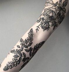 20 tatuagens de flores para transformar o seu braço em um jardim