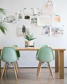 #summerseason Con el verano vienen los colores de temporada de las sillas eames. Conseguí tu DSW mint hoy con entrega inmediata #shopnow Desli.com También podes encontrarla en nuestro showroom de lunes a viernes de 10 a 19hs. #designyourlife
