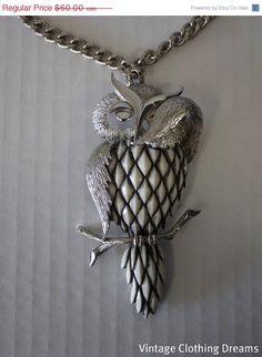 SALE 1960s Owl Necklace  1970s Razza Shy by VintageClothingDream,
