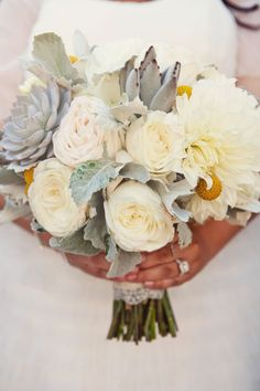 Lemon and Sage / Photography by Katelin Wallace Photography / Wedding Flowers: Art With Nature Design