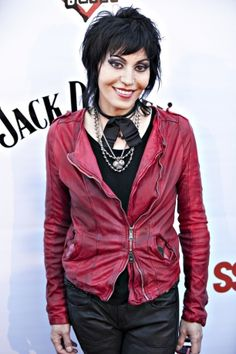Joan Jett ~ We saw her a couple of months ago opening for The Who! Sandy West, Music Pics, Joan Jett, My People, Rock And Roll, Beautiful People, Style Me, Leather Jacket, Singer