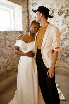 From modern boho wedding aesthetics like dried palms + macramé to '70s fashion, this wedding inspiration challenges gender norms with style. Groom Attire, Groom And Groomsmen, Wedding Men, Boho Wedding, Modern Groom, Boho Aesthetic, Stylish Suit, Modern Boho, 70s Fashion