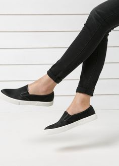 more photos 80840 9e180 Satin slip-on sneakers - Women   MANGO Svarta Skor, Svarta Jeans, Glida
