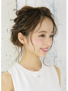 graphy 【グラフィー】 ゆるふわアップ Kawaii Hairstyles, Dress Hairstyles, Party Hairstyles, Bride Hairstyles, Cool Hairstyles, Bridal Hairdo, Hairdo Wedding, Wedding Hair And Makeup, Hair Design For Wedding