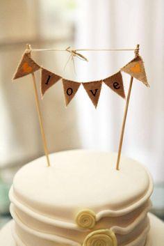 wedding cake topper - very sweet idea Wedding Cake Bunting, Wedding Cake Toppers, Wedding Cakes, Mini Bunting, Bunting Flags, Pretty Cakes, Cute Cakes, Beautiful Cakes, Cake Cookies
