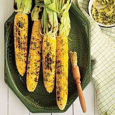 Grilled Corn on the Cob with Roasted Jalapeno Butter, Cooking Light June 2014 issue. This easy, grilled corn gets its flavor from jalapeño peppers that are roasted, chopped and stirred into honey butter. Grilled Corn On Cob, Grilled Fruit, Grilled Vegetables, Fruits And Veggies, Grilled Pizza, Grilled Shrimp, Summer Side Dishes, Healthy Side Dishes, Jalapeno Butter Recipe