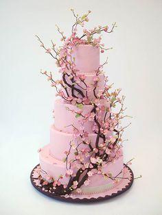 """Ron Ben-Israel é chamado de """"Manolo Blahnik dos bolos"""", tanto por seu trabalho super criativo como por ser também o """"darling"""" dos editores de moda.  Ron também poderia ser chamado de Fragonard, pela perfeição e beleza das flores que ele faz em manteiga e açucar. Cada pétala, cada folha, é uma cópi"""