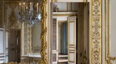 Some of the kings' mistresses played a key role in the history and fame of Versailles. Mme de Pompadour and later Mme Du Barry both occupied luxurious accommodation not far from King Louis XV's Private Apartments. Versailles Hall Of Mirrors, Hall Mirrors, Mirror Room, Palace Of Versailles, Louis Xiv, Royal Bathroom, Equestrian Statue, Clock Display, Lady In Waiting