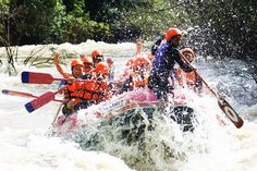 Destinations for adventure lovers should not miss is Khek River Rafting, held a famous rafting in Thailand.