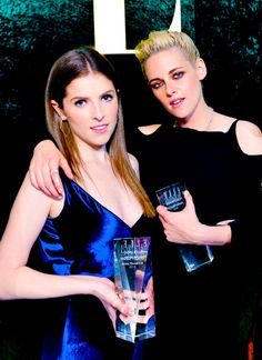 Tumblr Honorees Kristen Stewart and Anna Kendrick at the Elle Women in Hollywood event October 24 2016