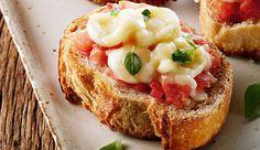 Bruschetas de tomate e mussarela de bufala