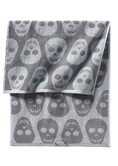 """Handtuch """"Totenkopf"""" grau - bpc living jetzt im Online Shop von bonprix.de ab ? 6,99 bestellen. Handtuch in angenehm weicher und…"""
