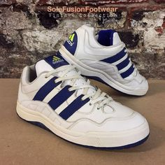 f845f88a4 adidas Mens Vintage Trainers White Blue sz 9 Rare Tennis Sneakers US 9.5 43  1
