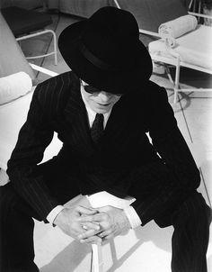 David Bowie, finísimo con fedora, ca. 1994 #Style #Hat #Music