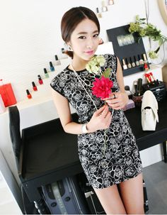 monochrome rose printed panel dress  CODE: MGN297  Price: SG $27.75 (US $22.38)