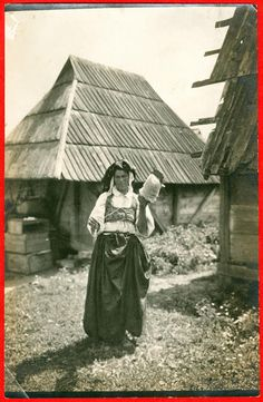 Woman from Ildiža spinning. Bosnia. 1910's