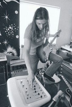 """David Gilmour, 1972 David is seen using the EMS Synthi Hi Fli. This was used primarily in """"On The Run"""", although some sources indicates that the auto filter was used to emulate Leslie tones on """"Any Colour You Like"""" also."""