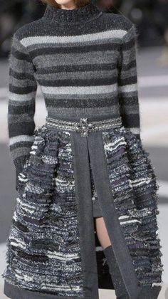Like the top part. Grey Fashion, High Fashion, Winter Fashion, Womens Fashion, Fashion Week 2018, Fashion Details, Fashion Design, Knitwear Fashion, Knit Dress