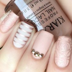 The advantage of the gel is that it allows you to enjoy your French manicure for a long time. There are four different ways to make a French manicure on gel nails. Shellac Nail Designs, Shellac Manicure, Nail Art Designs, Cute Nails, Pretty Nails, My Nails, Acrylic Nail Powder, Acrylic Nails, Nail Pictures