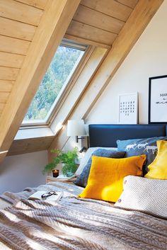 Море уюта в маленьком горном домике | Пуфик - блог о дизайне интерьера