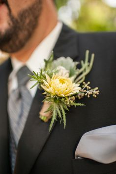 #Whimsical #Boutonnieres   Photography: Jeremy Hess Photographers - Jeremyhessphotographers.com Floral Design: wildflowers by design - wildflowersbydesign.com