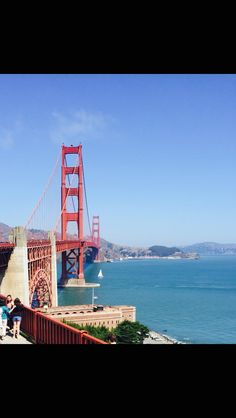 San Fransisco  is sooo pretty hot a tour bus to the Golden Gate Bridge!!