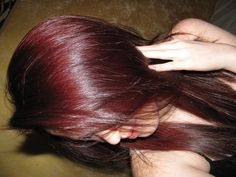 I love this color, totally thinking this with black/dark-brown lowlights Dark Brunette Hair, Dark Red Hair, Burgundy Hair, Cut My Hair, New Hair, Hair Cuts, Mommy Hairstyles, Cool Hairstyles, Bold Hair Color