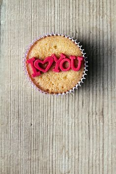 I Love You cupcake by Ruth Black #cupcake #edible #typography