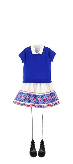 Short-sleeved sweater Indigo Amanda shirt Milk White Lilo skirt Indigo Navplia sandals Black