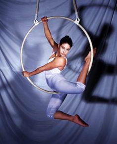 Sophie_Avigdor_aerial_hoop.jpg