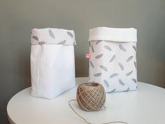 Corbeille panier  de rangement textile linge ancien doublure plumes argent de la boutique LaetitBroc sur Etsy