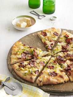 Caramelized Leek and Bacon Pizza Recipe - Country Living