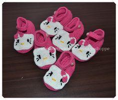 Crafts by Momaye: Crochet Hello Kitty Booties and Headband Set