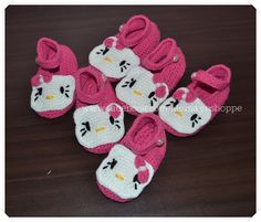 Crafts by Momaye: Crochet Hello Kitty Booties and Headband Set