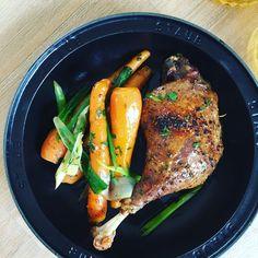 Cotlete de porc la tava Everyday Prayers, Baby Carrots, Green Onions, Macarons, Steak, Roast, Turkey, Food, Legs