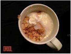 Cinnamon Roll in a Mug! - Microwaveable Dessert (cookie in a cup microwave) Microwave Mug Recipes, Mug Cake Microwave, Microwave Desserts, Microwave Food, Dessert In A Mug, Eat Dessert First, Cookie Desserts, Dessert Recipes, Single Serve Desserts