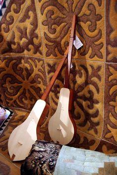GlobeIn: Handmade Musical Instruments from Around the World