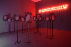 Les chambres de mémoire de Boltanski | Mu-inthecity.com Vue de l'exposition, Christian Boltanski, photo De Gobert