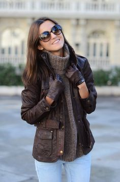 Very chic and pulled together. I love the short gloves.