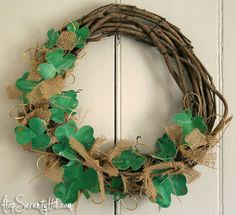St. Patrick's Day crafts like this don't come around too often, so take advantage of this free, DIY wreath tutorial!