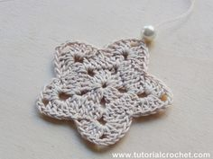http://www.tutorialcrochet.com/2013/11/crochet-tutorial-schemi-stelle-di-natale.html