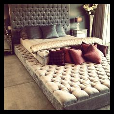 How awesome would this be for a guest bedroom!